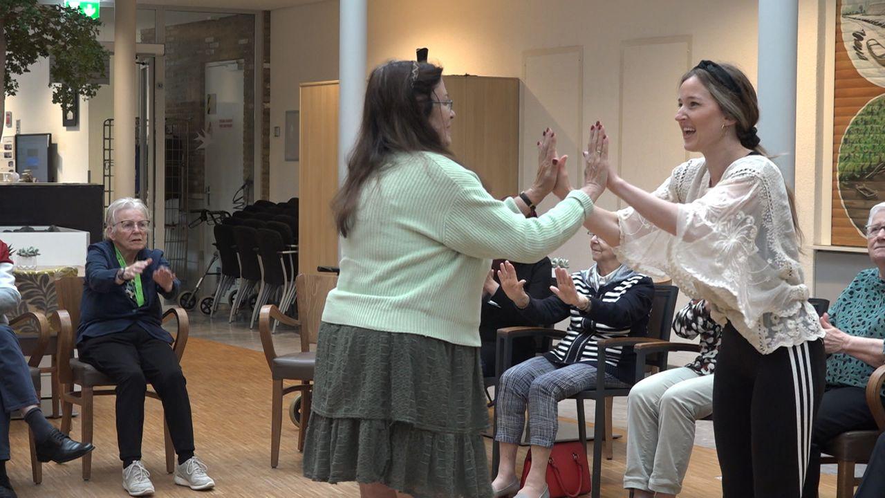 Westlandse dementerenden krijgen dansles: 'We proberen het proces hiermee te vertragen'