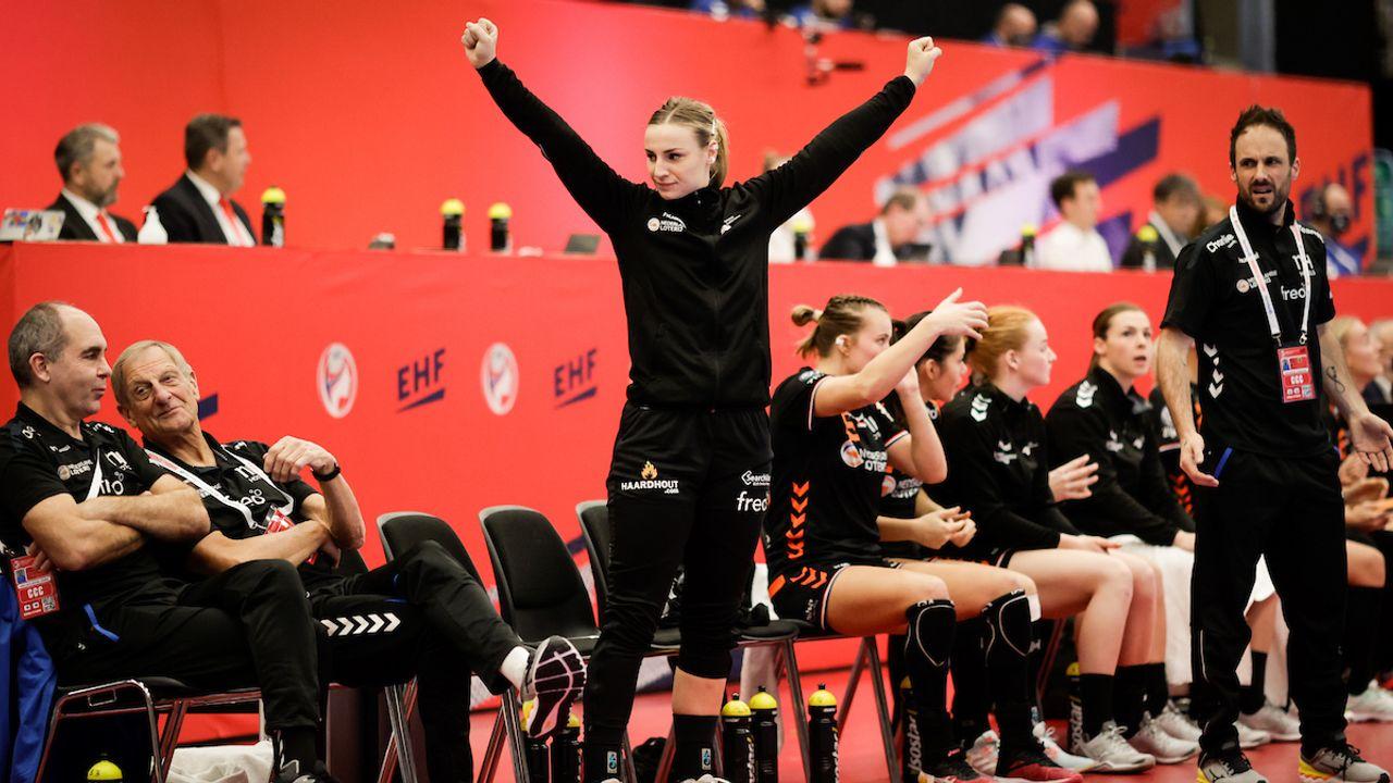 Nederlandse handbalsters na eerste zege door op EK