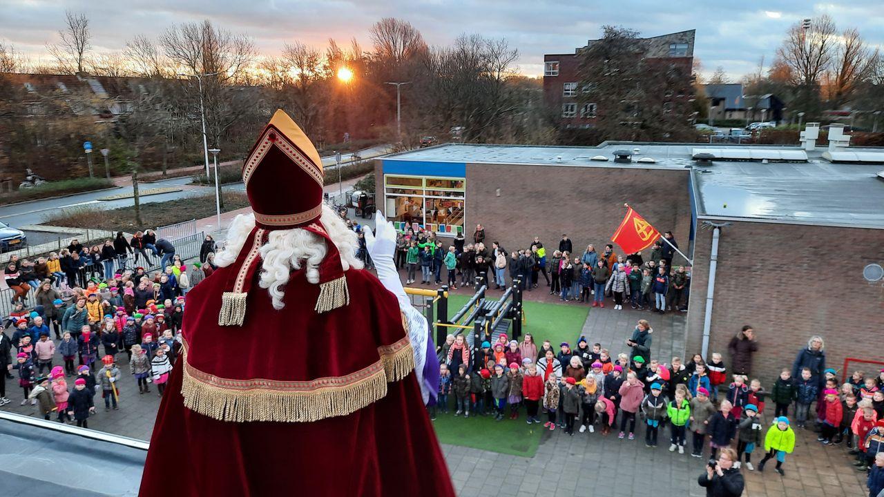 Windkracht 7 houdt Sinterklaas niet tegen