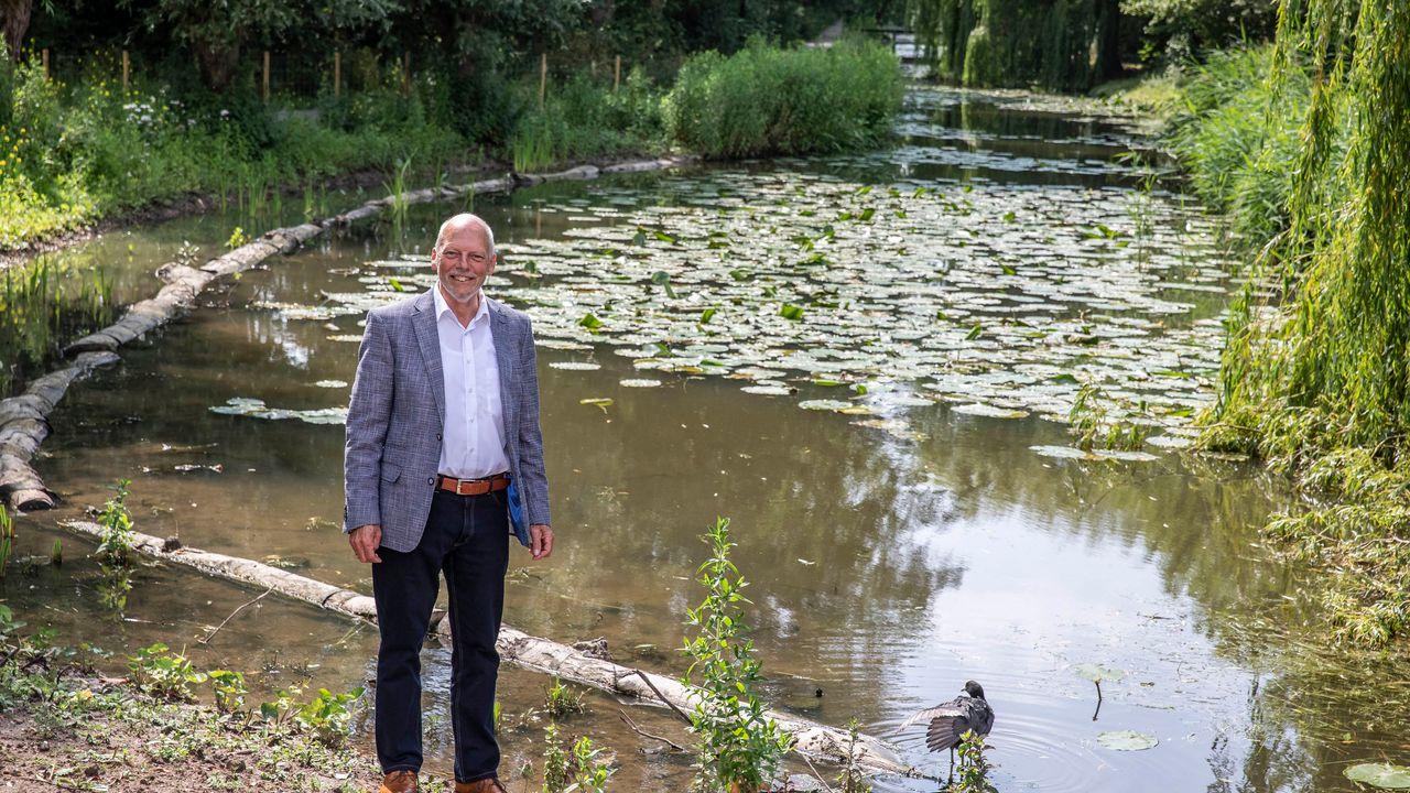 Julianapark heeft natuurlijke oevers gekregen