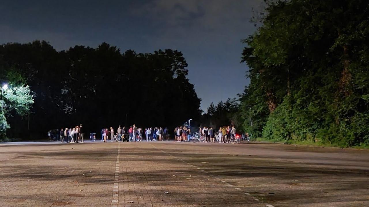 Politie maakt einde aan feest op parkeerterrein MVV'27