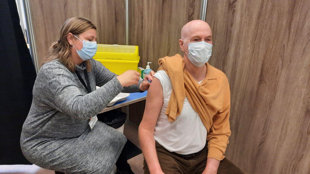 Eerste vaccinaties tegen corona in Westland gegeven