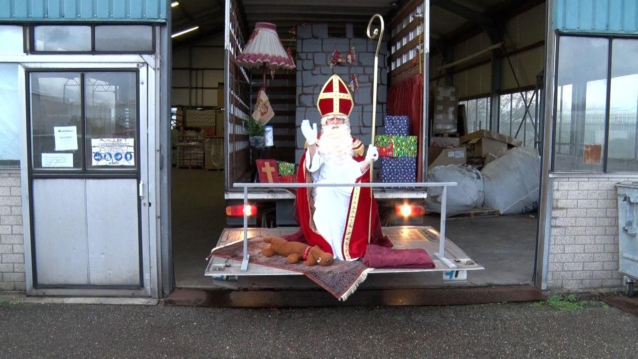 Sinterklaas komt naar je toe en neemt zijn eigen huiskamer mee