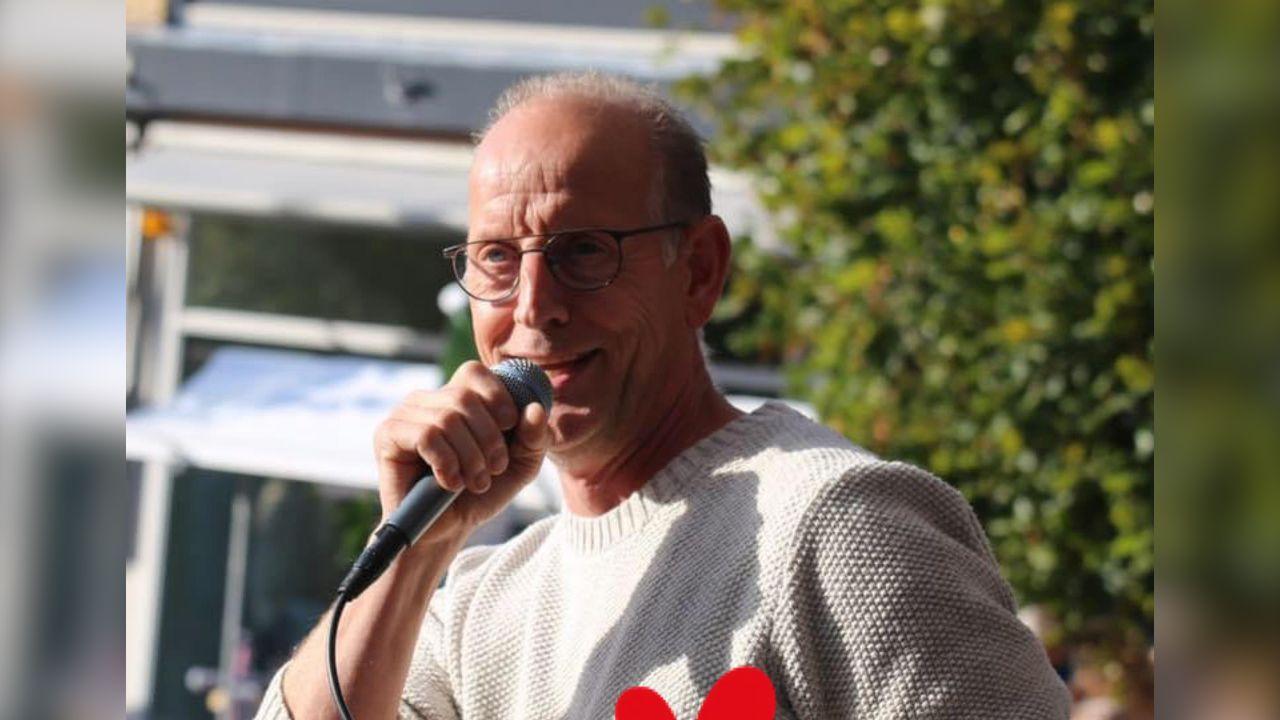 Koos Janssen beschrijft getroffen horecasector in lied