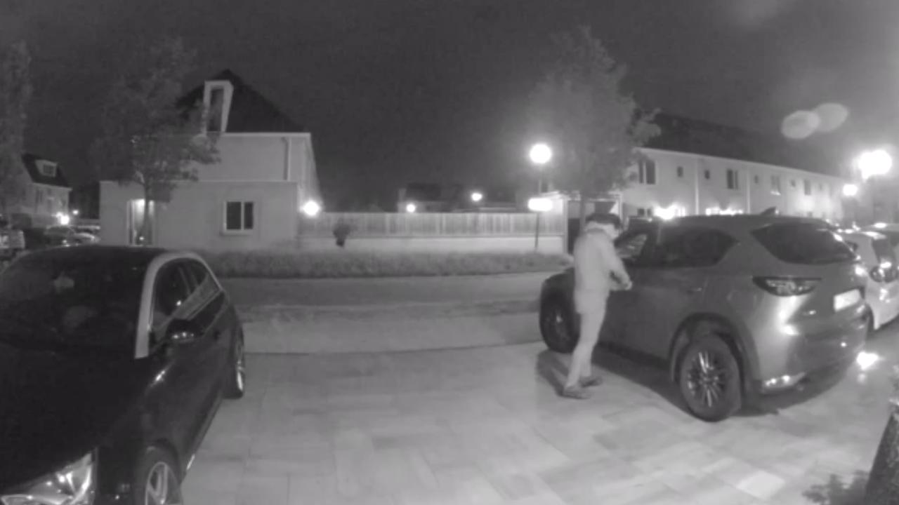 In beeld: Auto gestolen in Hoek van Holland
