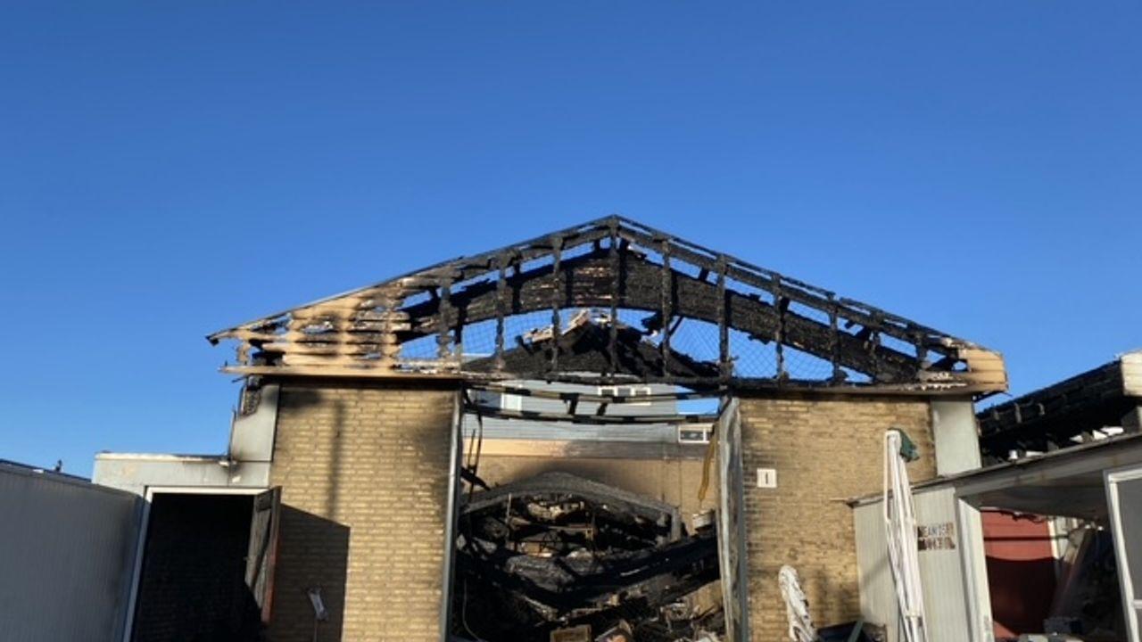 Grote ravage na brand op Hoeks bedrijventerrein