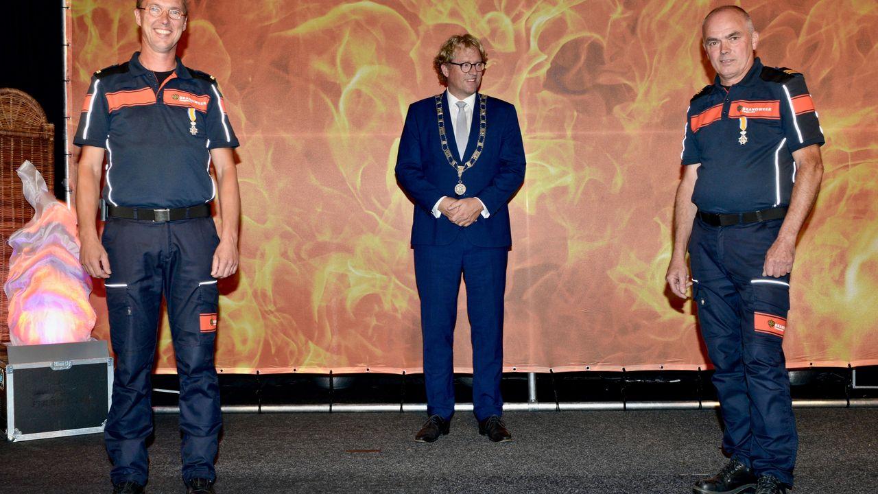 Twee Maaslandse brandweermannen onderscheiden