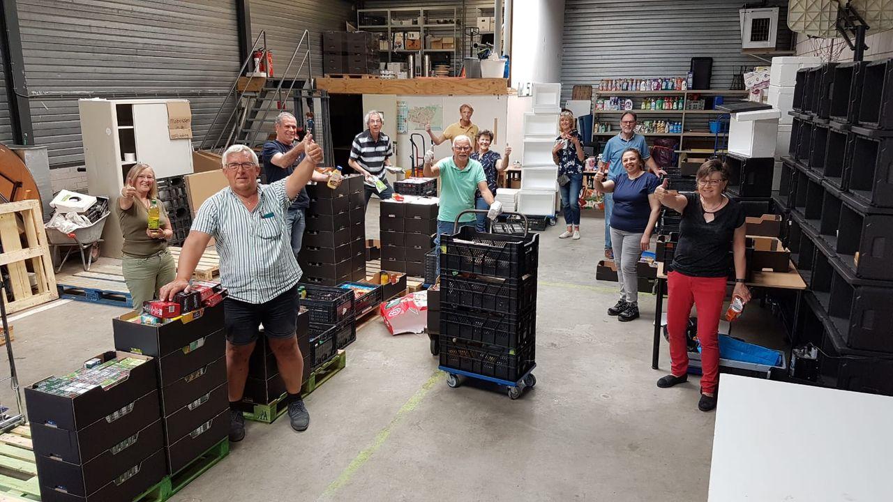 Buurtpreventie haalt ruim 300 kratten op voor voedselbank
