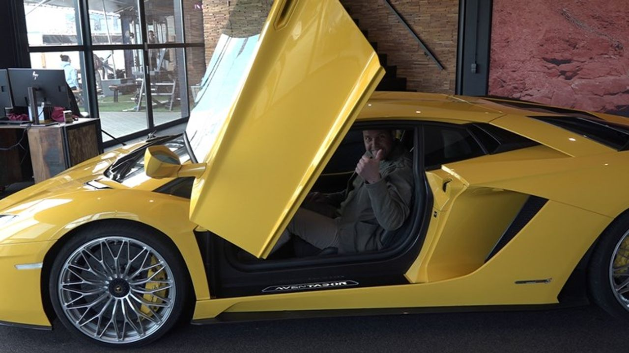 Eigenaar gecrashte Lamborghini: 'Voorlopig durf ik mijn duurste auto's niet meer uit te lenen'
