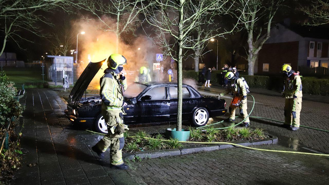 Oldtimer uitgebrand in Wateringen