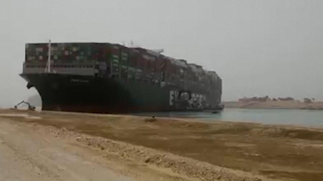 Westlandse bedrijven wachten op goederen Suezkanaal