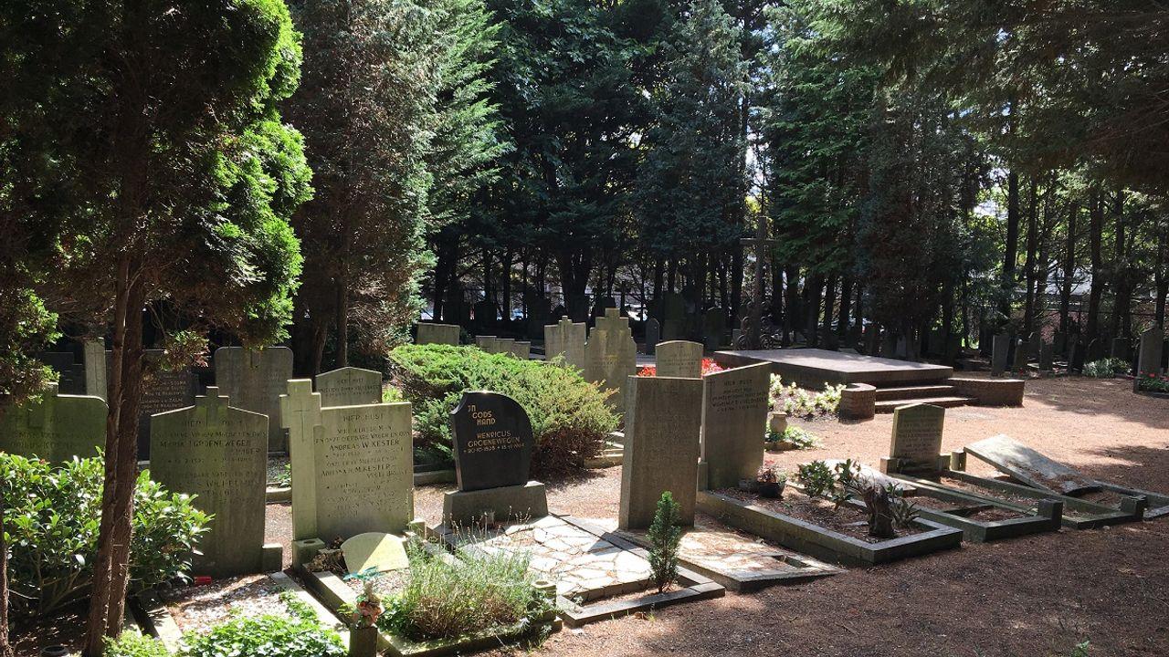 Voorlopig geen ruiming graven op kerkhof Dijkweg