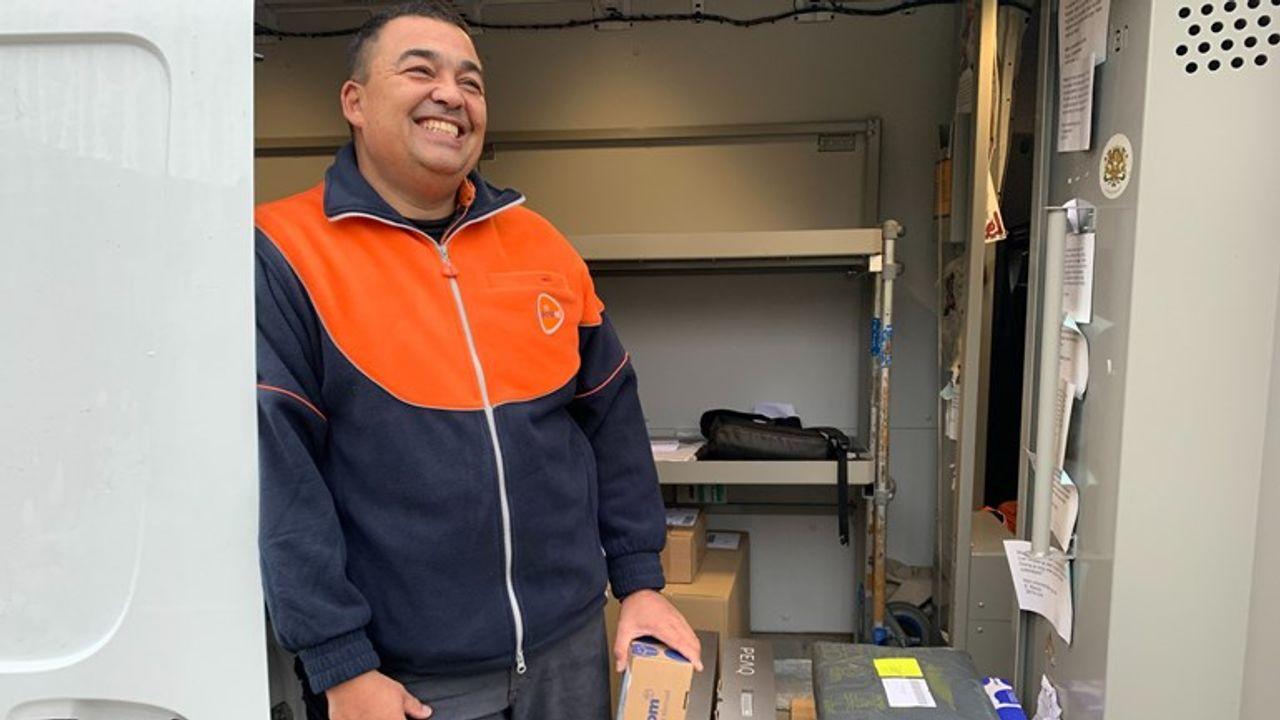 Als gevolg van corona extra piek bij PostNL in Den Hoorn