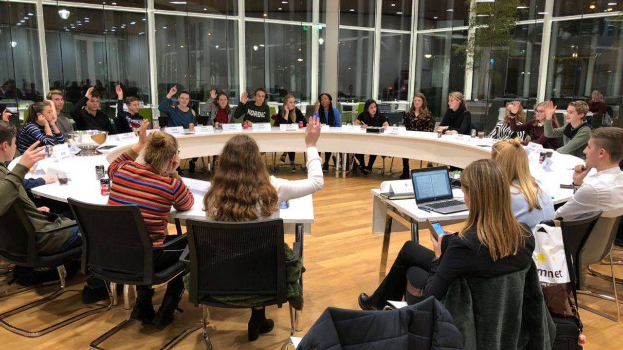 Jongerenraad genomineerd voor titel 'MensenrechtenMens'
