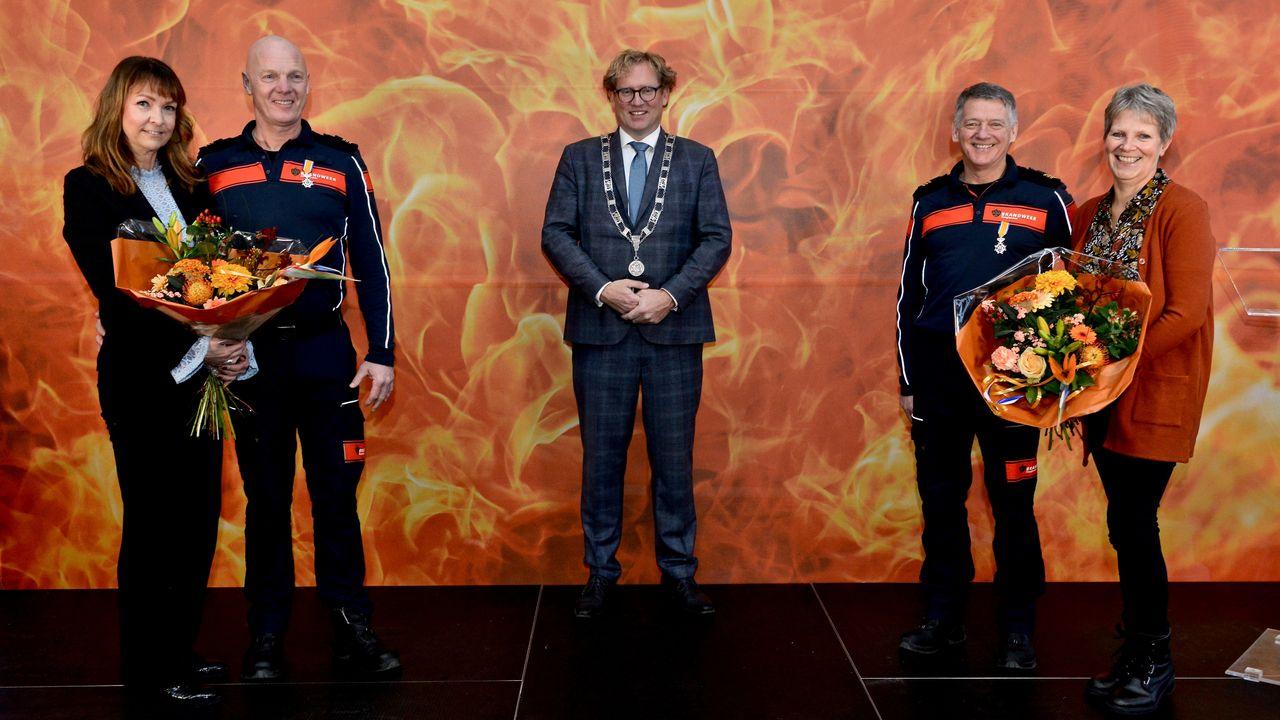 Koninklijke onderscheiding voor zes brandweerlieden uit Midden-Delfland