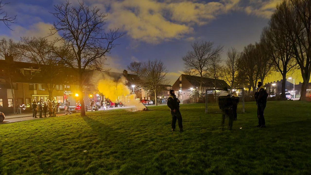 Brandweer doet aangifte van gooien zwaar vuurwerk in Maasdijk
