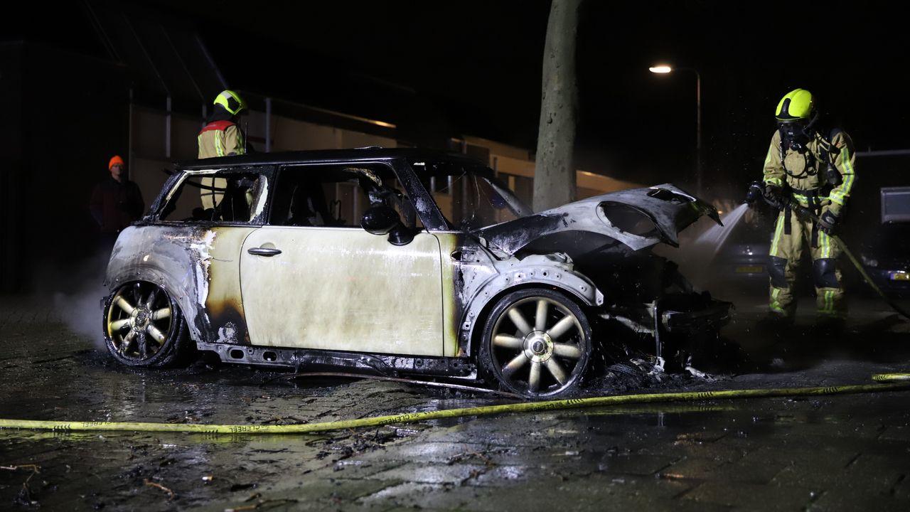 Auto uitgebrand in Wateringen