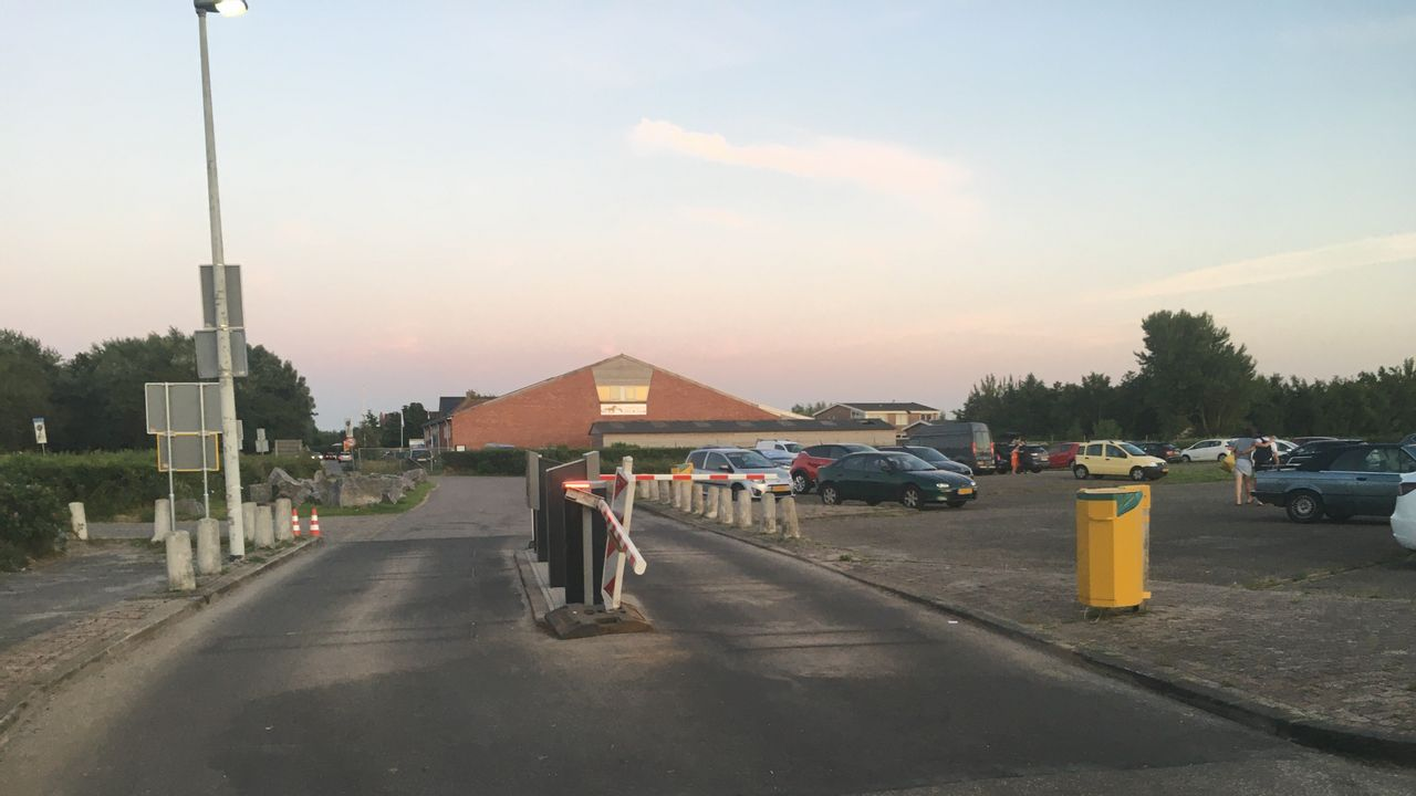 Slagboom gesaboteerd bij parkeerplaats Vlugtenburg