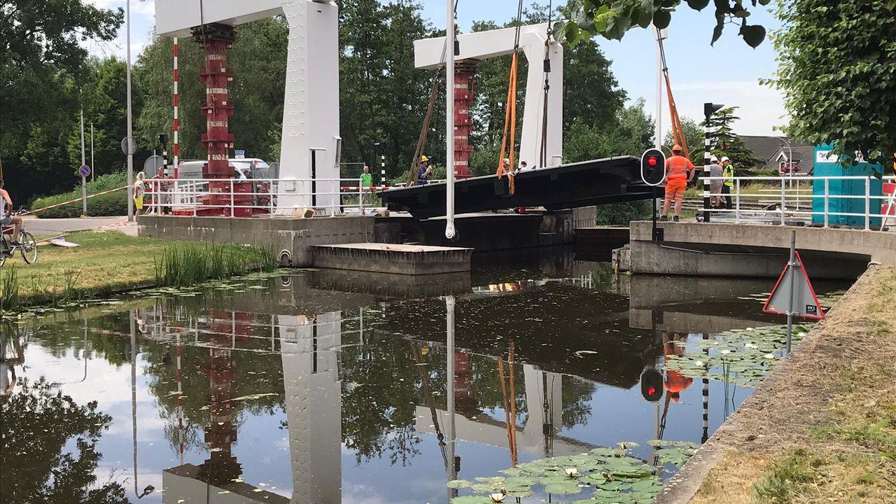 Hofsingelbrug weer compleet na renovatie