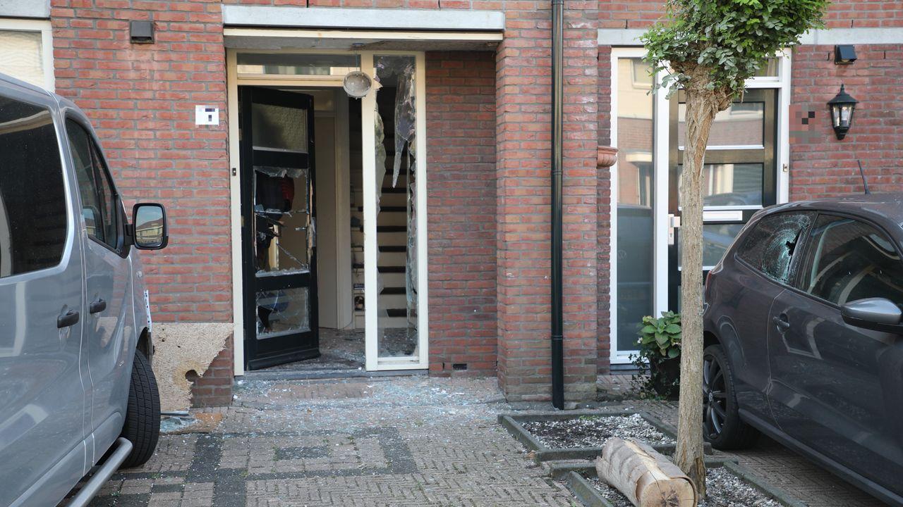 Deur opgeblazen bij explosie in Den Hoorn