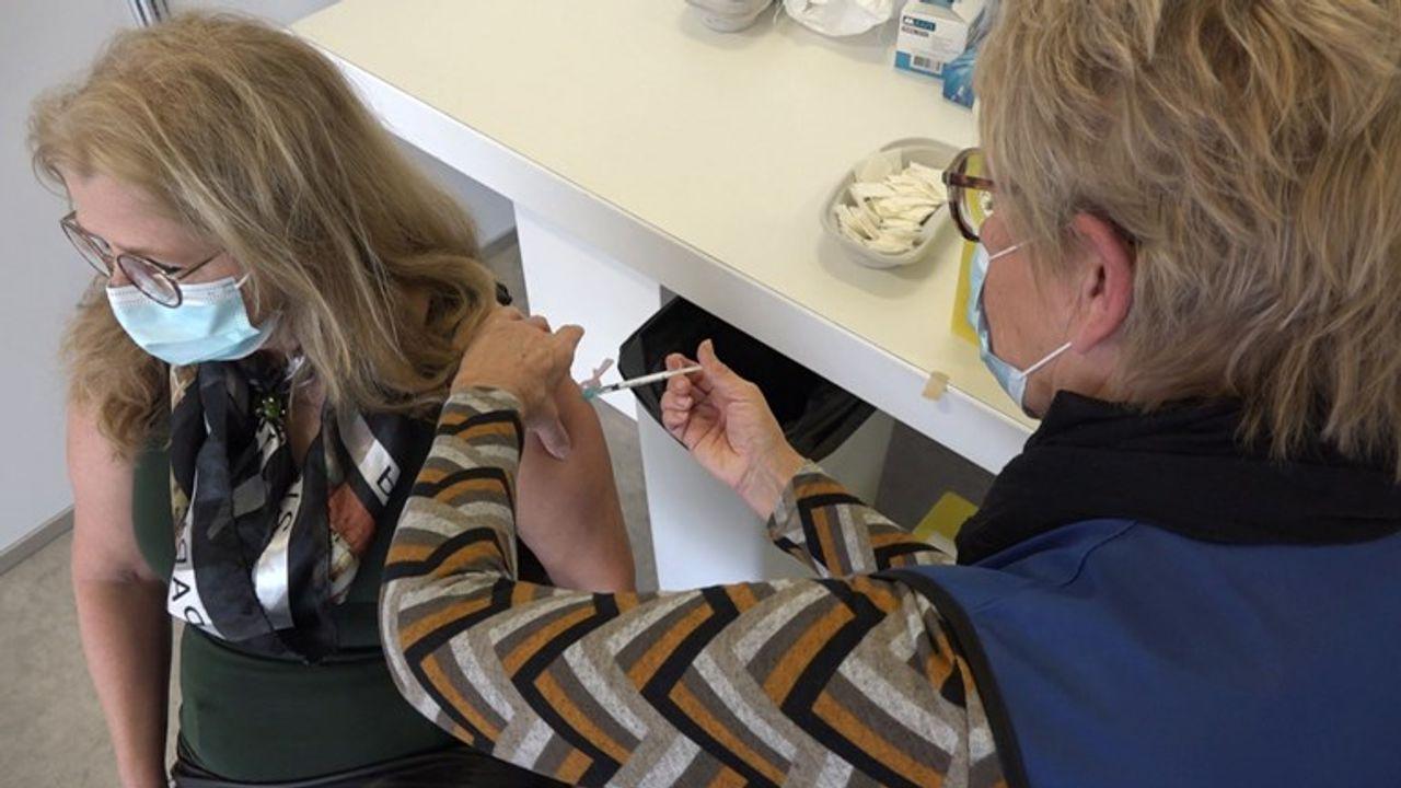 GGD Haaglanden: ruim 3000 zorgmedewerkers ingeënt met coronavaccin