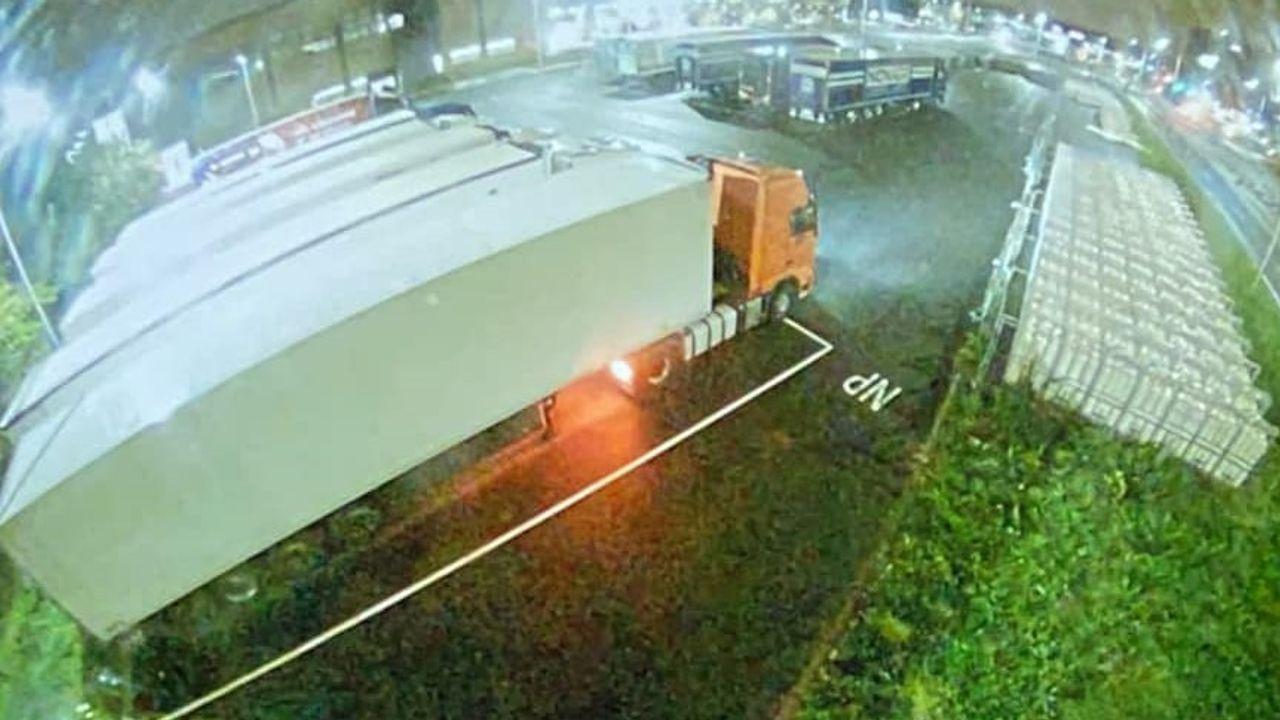 Drie vrachtwagentrailers gestolen van terrein FloraHolland