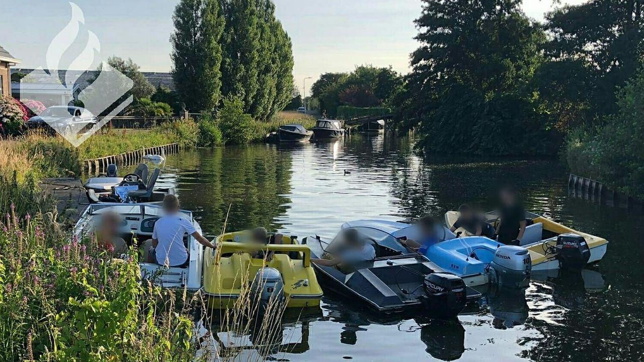 Tien boetes voor snelle motorbootjes
