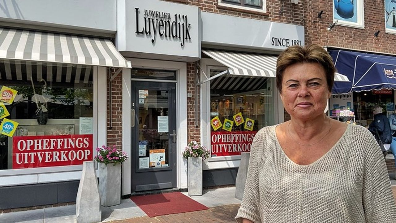Juwelier in Maassluis sluit na 140 jaar de deuren