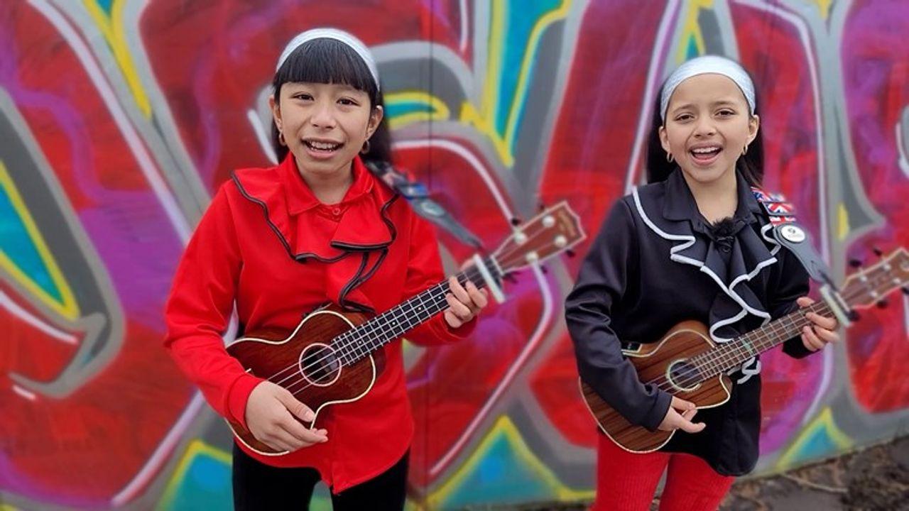 Zusjes Sunflower (13) en Gina (10) doen mee aan The Voice Kids: 'Supercool'