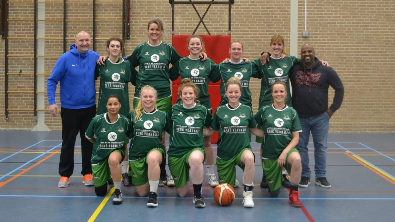 Ron den Hoedt blijft coach Green Eagles