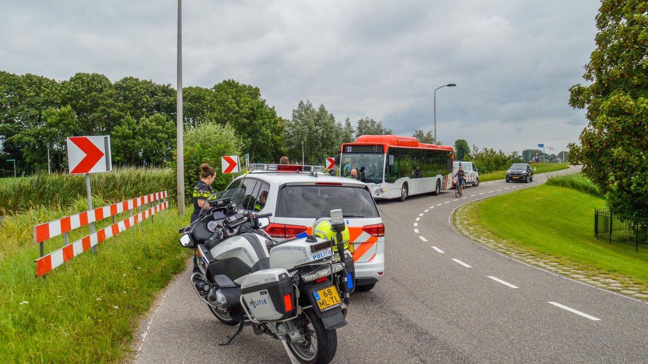 Motorrijder in botsing met lijnbus