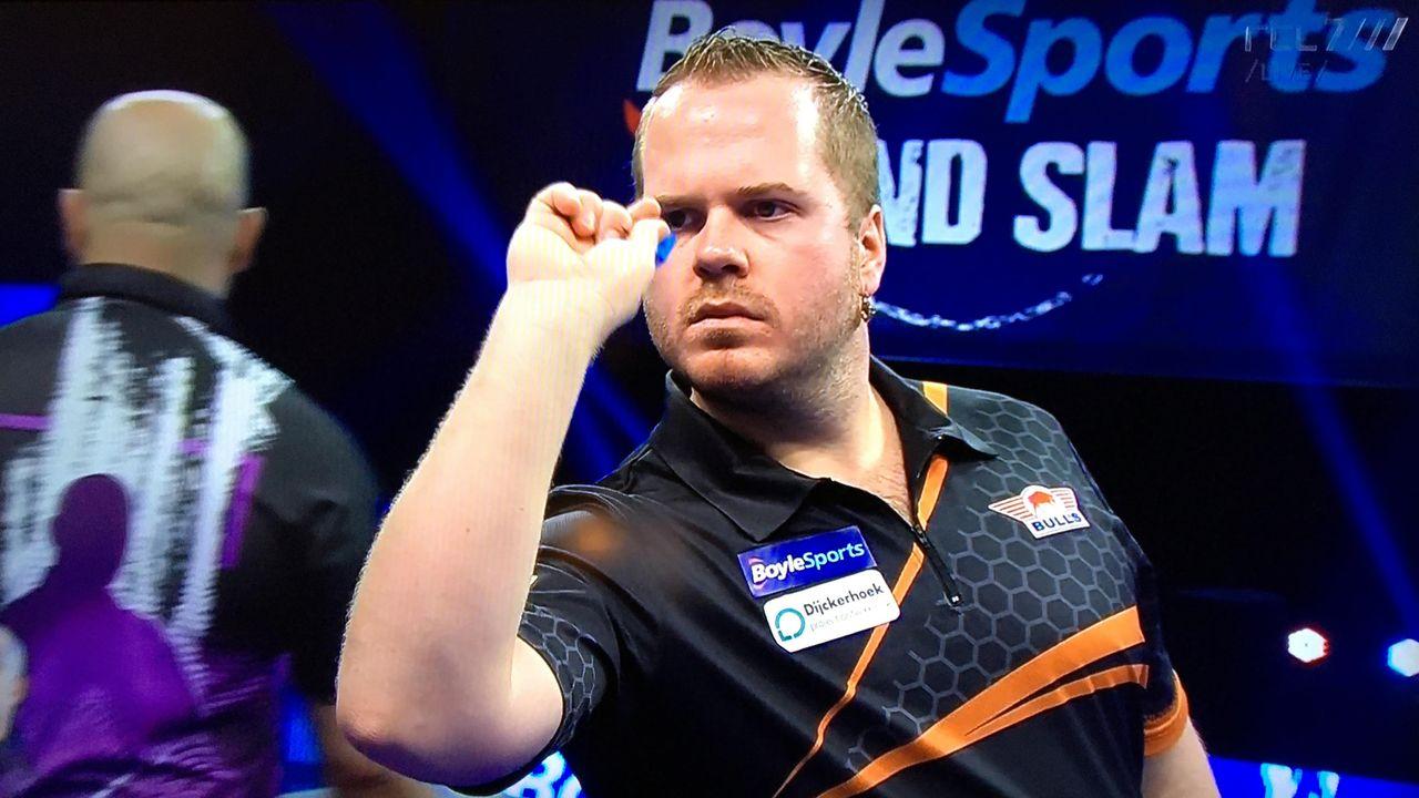 Van Duijvenbode ronde verder bij Players Championship Finals