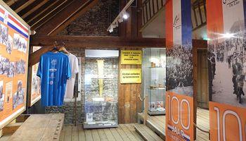 Museum De Timmerwerf: 100 jaar Oranjevereniging