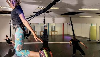 Bungee Super Fly & Aerial yoga in Hoek van Holland