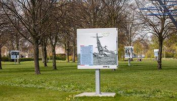 Rondleiding oorlogspanelen Hofpark Wateringen